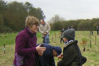 Youth Rangers tree planting by Rachel Price